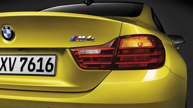 Lexus-TF-C-vs-BMW-M4-10.jpg