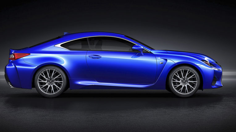 Lexus-TF-C-vs-BMW-M4-5.jpg