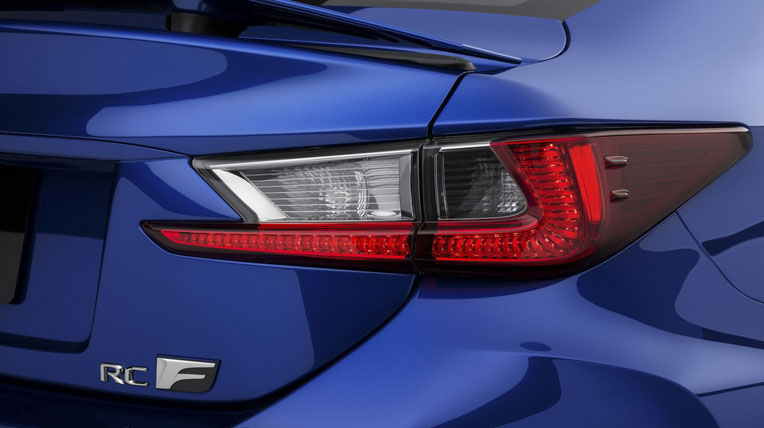 Lexus-TF-C-vs-BMW-M4-9.jpg
