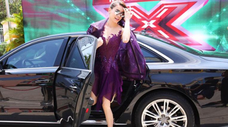Giám khảo X-Factor đi xế sang bạc tỷ đến chấm thi