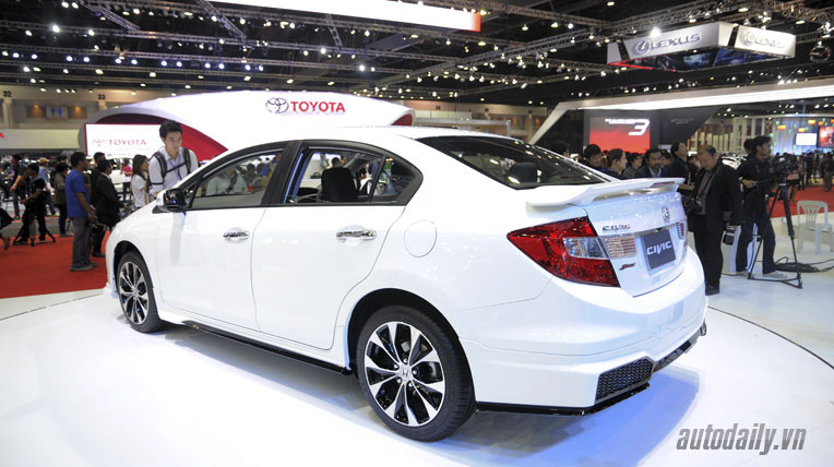 honda-civic-2014-(9).jpg