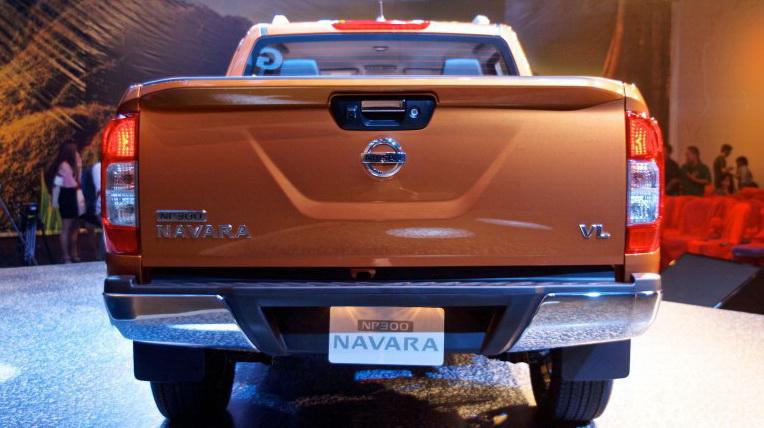 Nissan-Navara-2015 (7).jpg