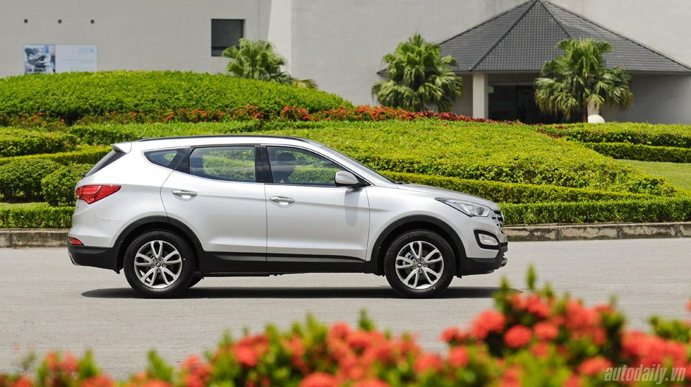 Hyundai-Santafe-2014 (1).jpg