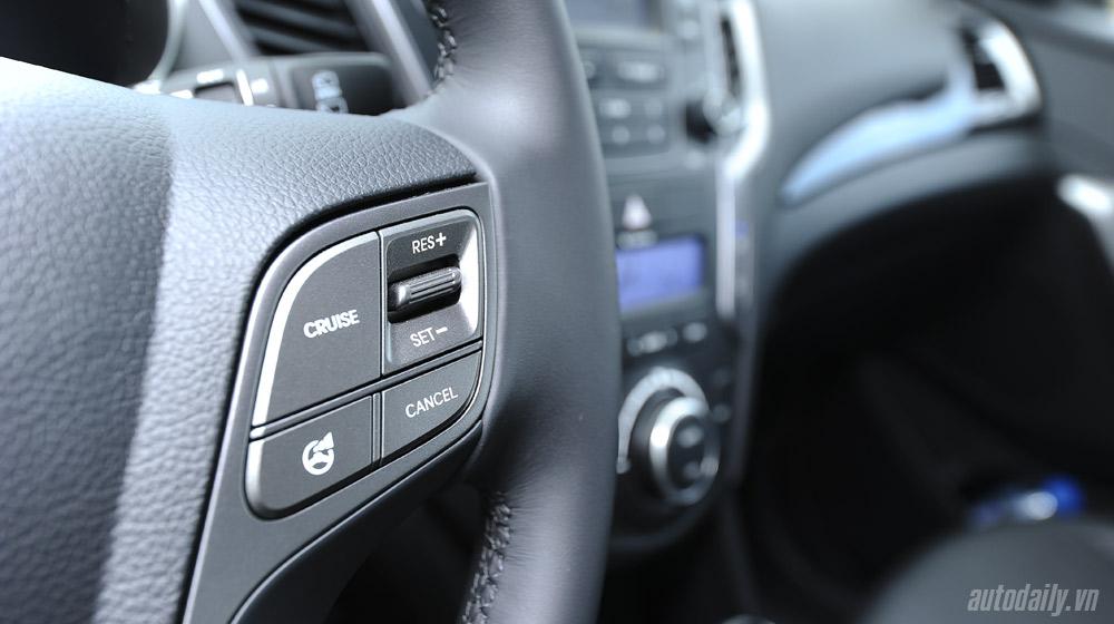 Hyundai-Santafe-2014 (41).jpg