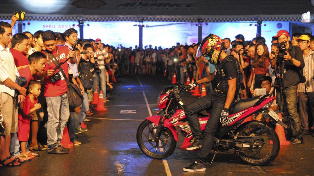 """Nhiều người Việt trẻ """"phải lòng"""" Suzuki Raider 150"""