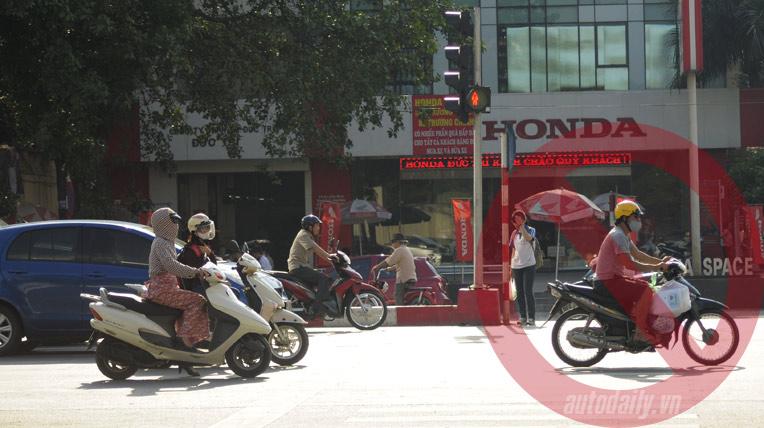vuot-den-do-tinnhanh24h.vn_.jpg