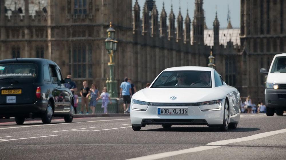 """Volkswagen XL1: Ôtô tiêu thụ 0,9 lít/100km """"cháy hàng"""""""