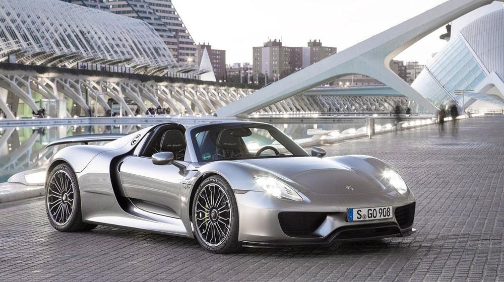 Porsche vượt doanh số bán hàng của năm trước vào tháng 11