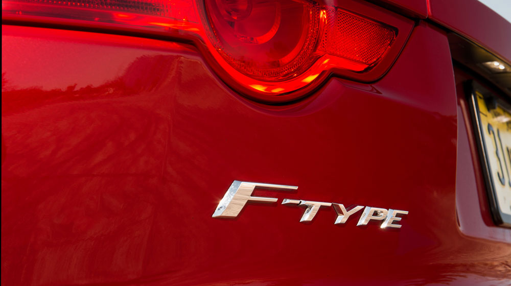 2015-jaguar-f-type-r-coupe-badge.jpg
