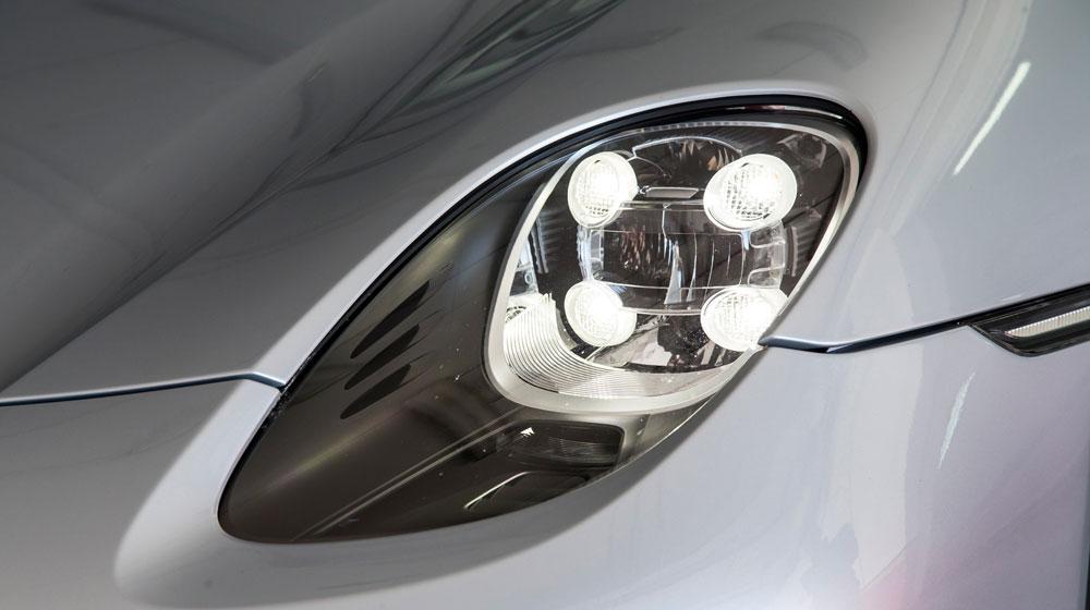 2015-porsche-918-spyder-headlamp.jpg