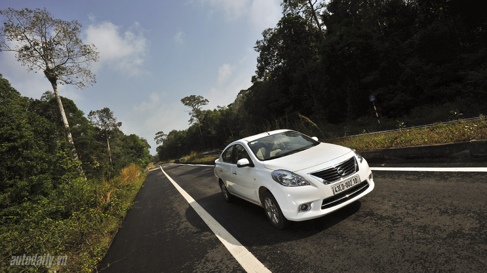 Nissan Sunny (34).jpg