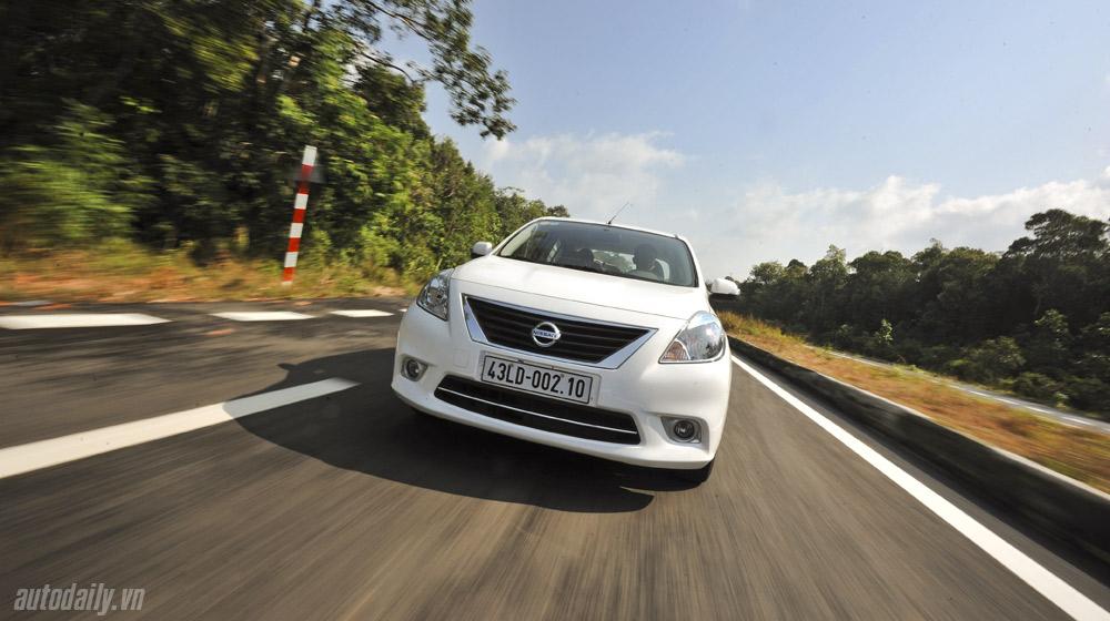 Nissan Sunny (40).jpg