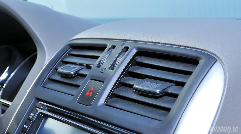 Nissan Sunny 2 (40).jpg