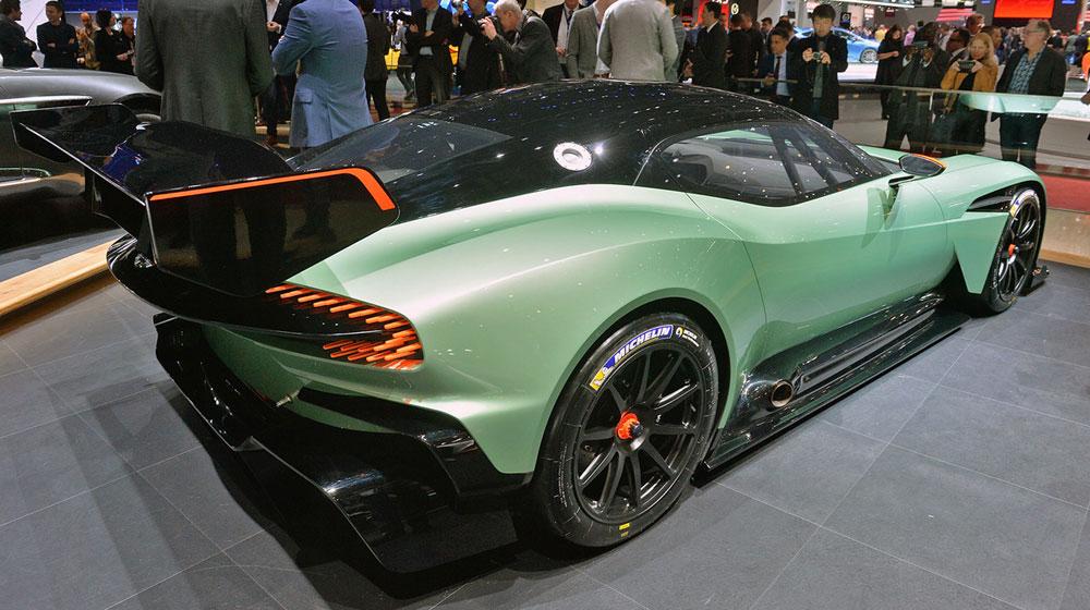04 aston martin vulcan geneva 1 1425401127 1200x0 Chiêm ngưỡng những chi tiết độc và lạ trên Aston Martin Vulcan
