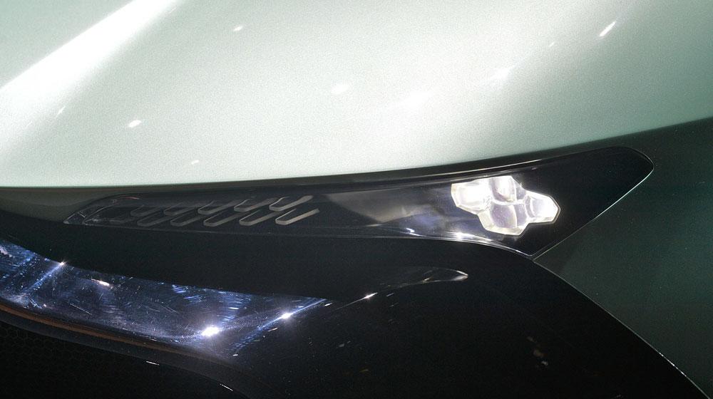 10 aston martin vulcan geneva 1 Chiêm ngưỡng những chi tiết độc và lạ trên Aston Martin Vulcan
