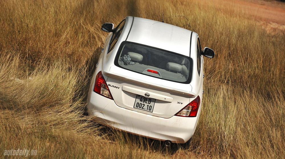 Nissan Sunny (63).jpg