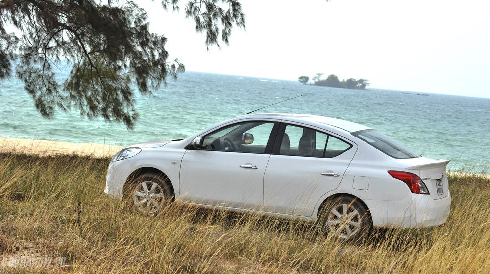 Nissan Sunny (61).jpg