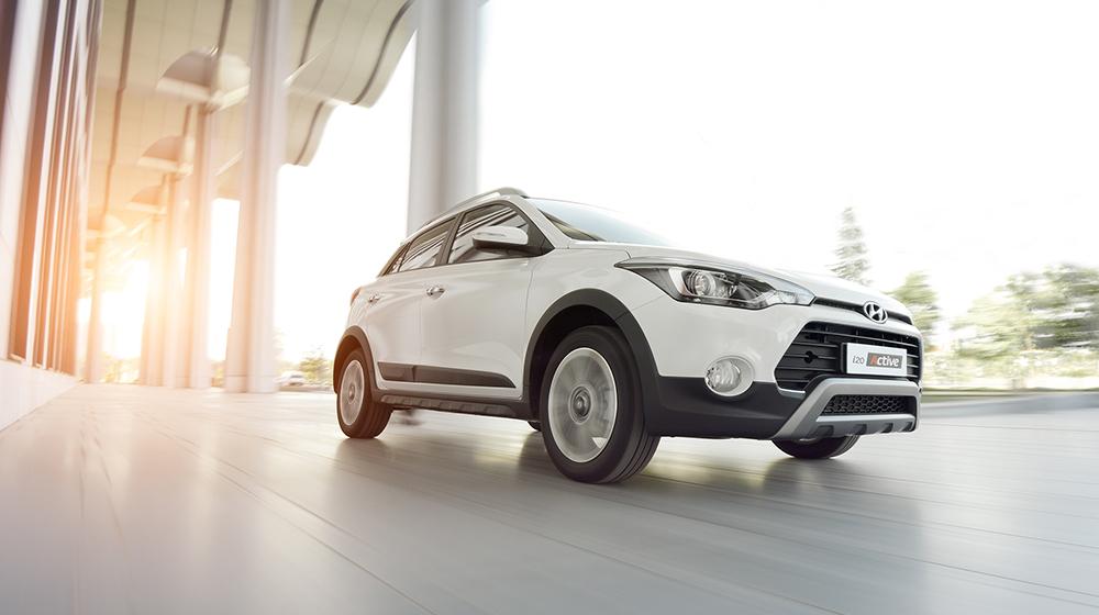 Ford_EcoSport_va_Hyundai_i20_Active (5).JPG