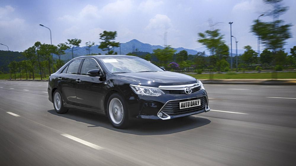 Peugeot_508_vs_Toyota_Camry (20).jpg