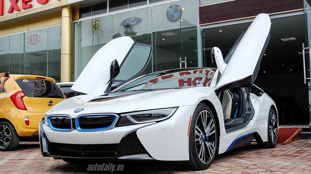"""Sau Sài Gòn, """"bão"""" siêu xe BMW i8 bắt đầu đổ bộ về Hà Nội"""