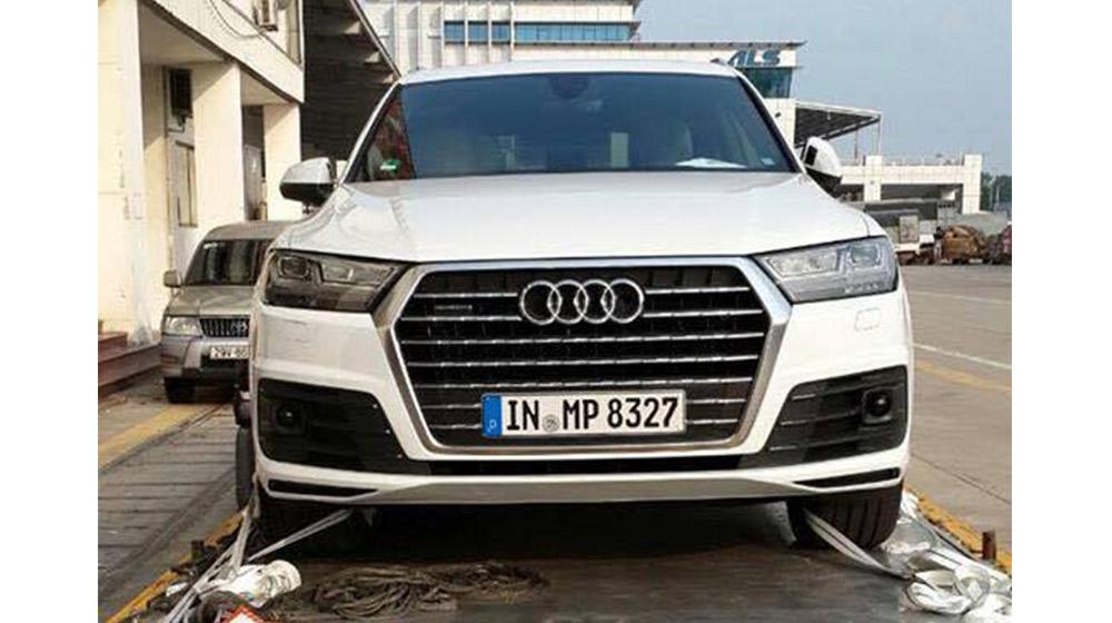 """Hàng """"hot"""" Audi Q7 2016 đầu tiên về Việt Nam"""