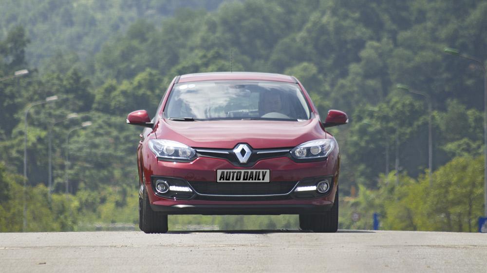Renault Megane Hatchback_27.jpg