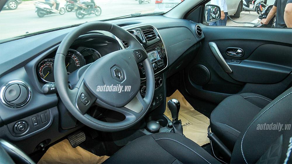 Renault Sandero (14).jpg