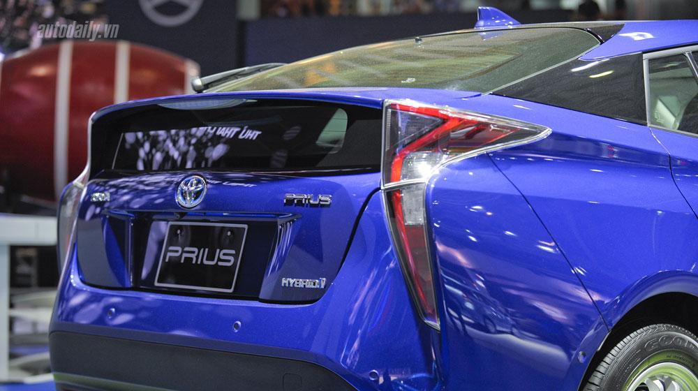 Prius_06.jpg