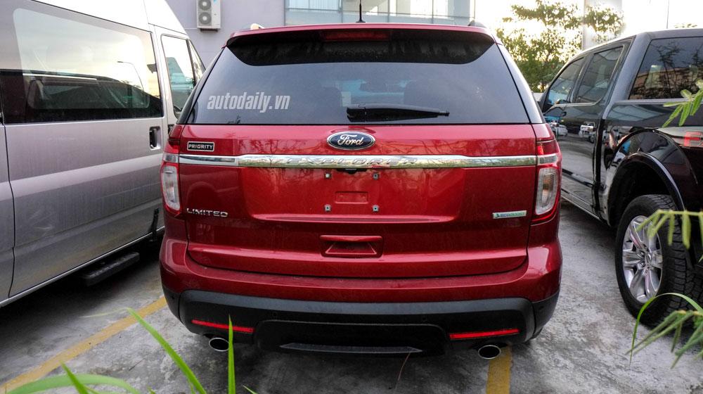 Ford_Explorer_2015-(6).jpg