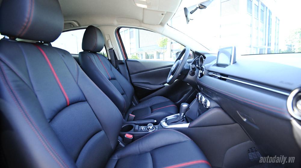 Mazda2 (54).jpg