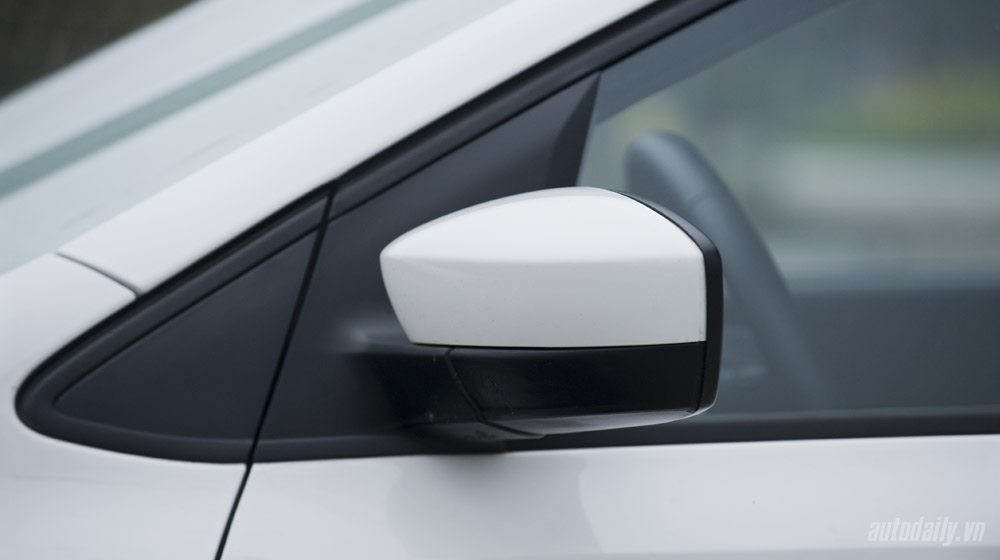 Volkswagen-Polo-Sedan-Test-Drive (14).jpg