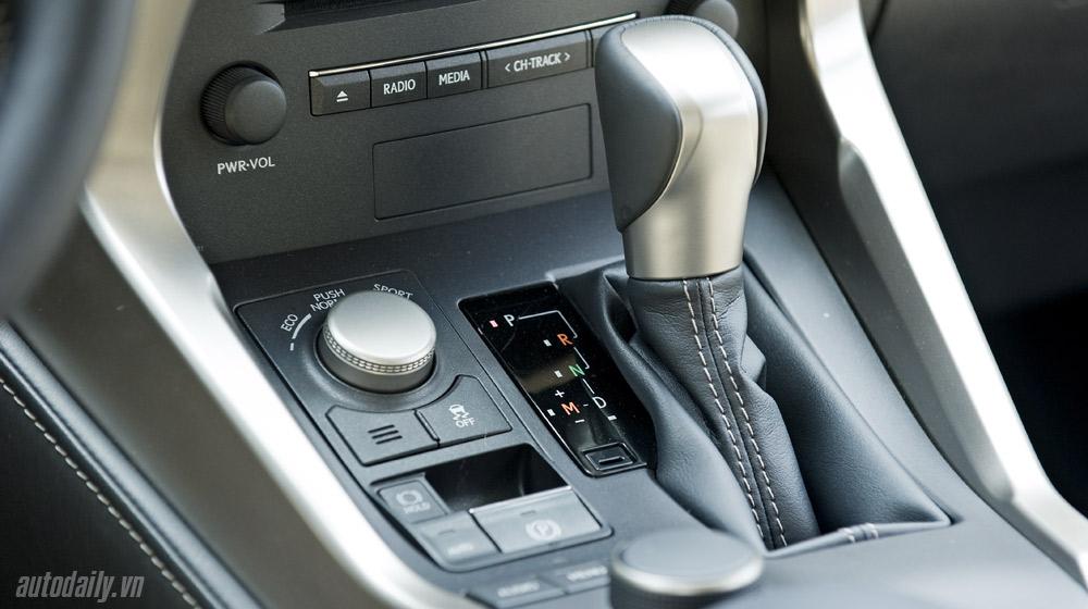 3 sai lầm phổ biến khi lái ôtô số tự động