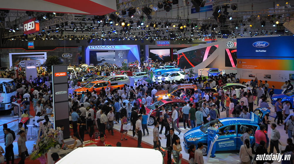 Thị trường ôtô Việt 2015: 2 con số kỷ lục