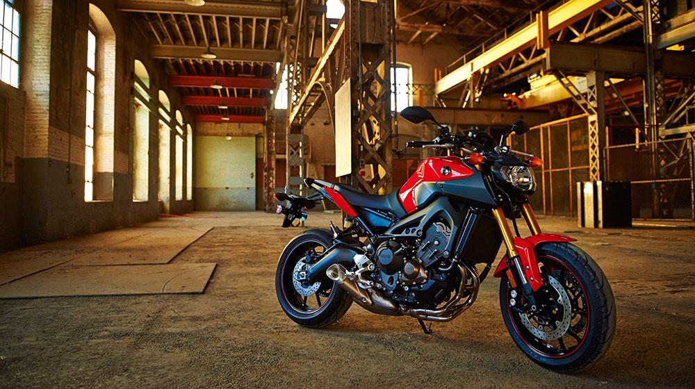 """Yamaha FZ-09 lọt """"Top môtô"""" được yêu thích nhất 2015"""