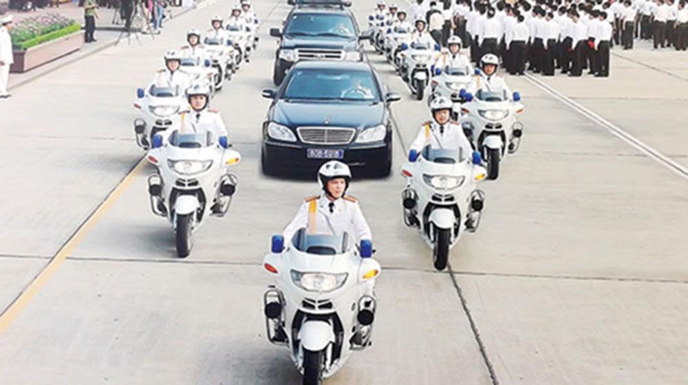 Bí mật đội cảnh sát Việt lái môtô siêu khủng bảo vệ yếu nhân