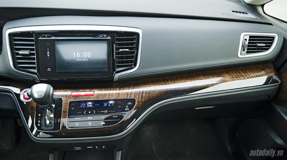 Honda Odyssey 2016 (59).jpg