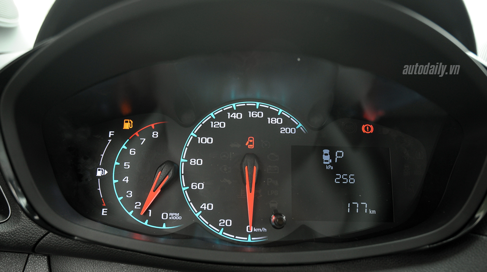 Chevrolet Spark 2016 (26).jpg