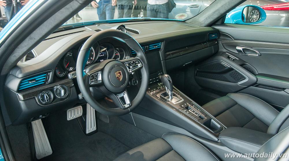 Porsche_911_Turbo_S (39).jpg