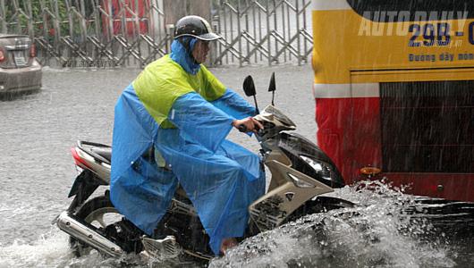 5 bước cần làm ngay khi xe máy bị ngập nước