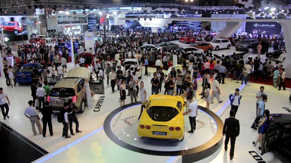 Thị trường ô tô: tăng vẫn lo