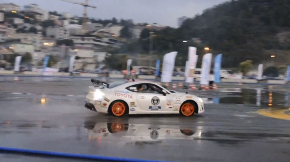 toyota-gt-86-steals-bmws-drift-record-in-turkey-video-84614_1.jpg