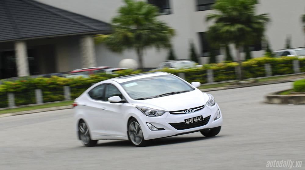 Hyundai-Elantra (12)-1.jpg