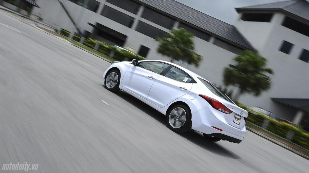 Hyundai-Elantra (14).jpg