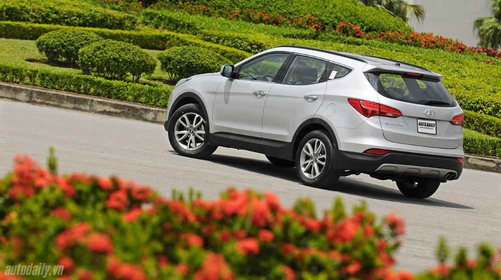 Hyundai-Santafe-2014 (2).jpg