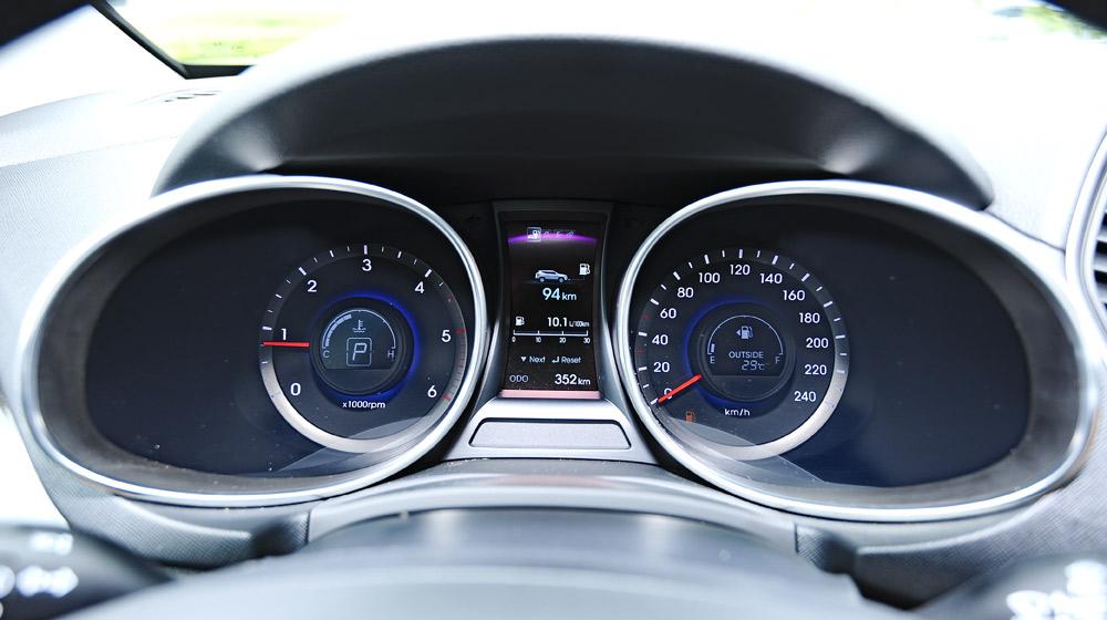 Hyundai-Santafe-2014 (38).jpg