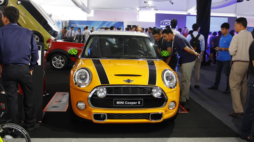 Về Việt Nam, Mini Cooper Roadster có giá 1,618 tỷ đồng - 3