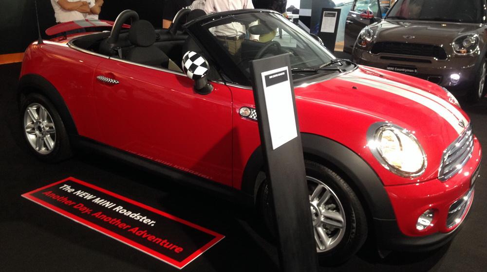 Về Việt Nam, Mini Cooper Roadster có giá 1,618 tỷ đồng - 2