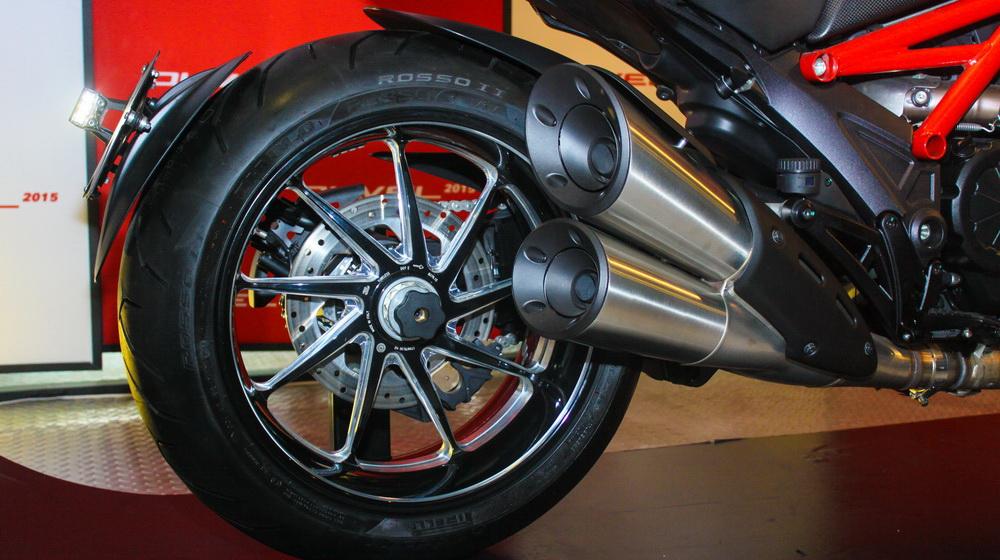 Ducati Diavel 2015 chính thức bán ra tại Việt Nam, giá từ 670 triệu đồng - 3