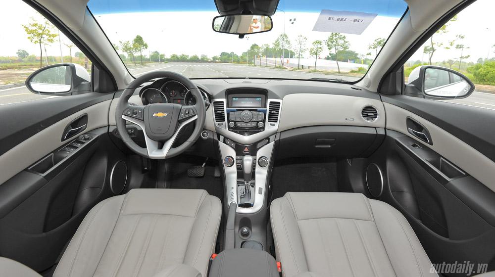 Chevrolet Cruze  2014 (40).jpg