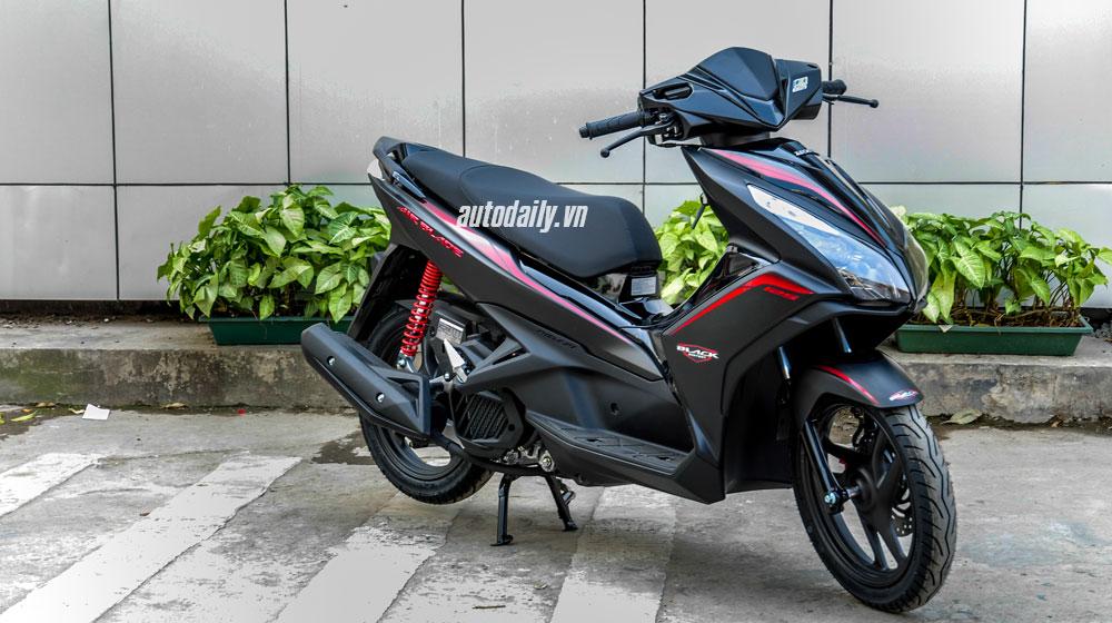 """Ra phiên bản mới, Honda Air Blade tiếp tục """"đè"""" Yamaha Nouvo - 1"""